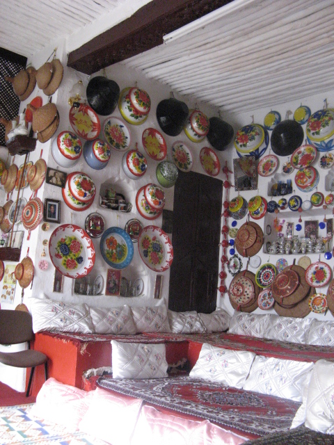 """Der zentrale Wohnraum des Gegar von """"Rewdas Guesthouse"""""""