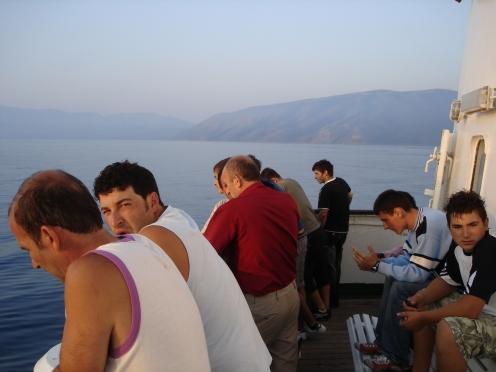 Albaner auf der Fähre nach Vlora (c) Ekkehart Schmidt
