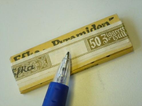 Efka-Zigarettenpapier-Steuerbanderole-mit-HK_2_b2_800