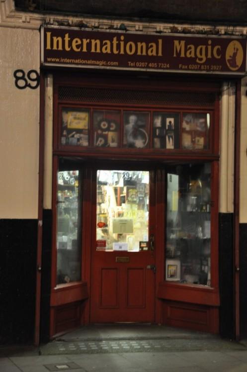 International Magic, Clerkenwell Rd. _London © Ekkehart Schmidt