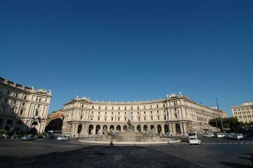1280px-Piazza_della_Repubblica_(Roma)