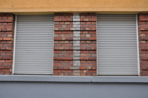 Pfeile zu Schutzräumen_Saarbrücken © Ekkehart Schmidt