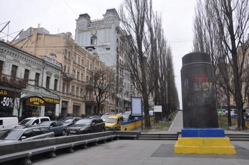 Grüner Hinterhof am Premier Palace_Kiew © Ekkehart Schmidt