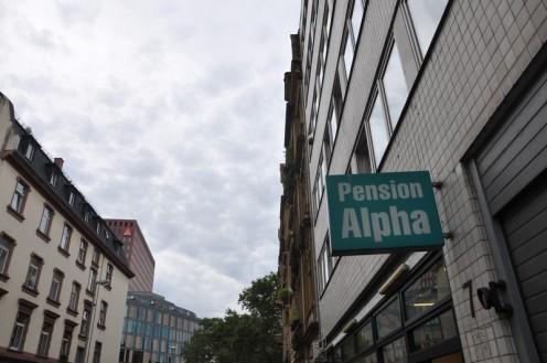 pension alpha frankfurt main akihart. Black Bedroom Furniture Sets. Home Design Ideas