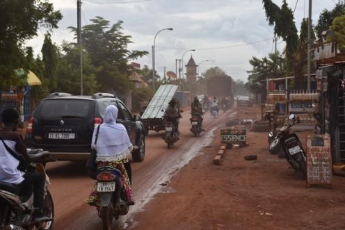 Benzinverkäufer_Ouagadougou ⓒ Ekkehart Schmidt