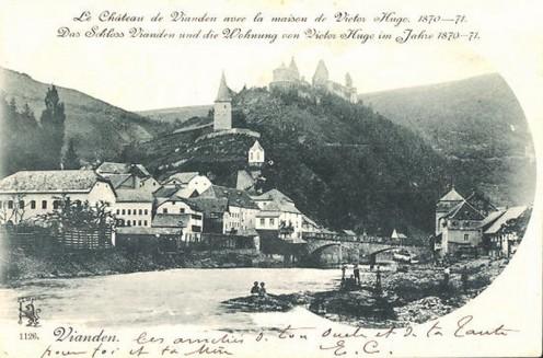 AK-1900_A_800ViandenAK-1900_Vianden-Teilansicht-mit-Schloss-und-Wohnung-von-Victor-Hugo
