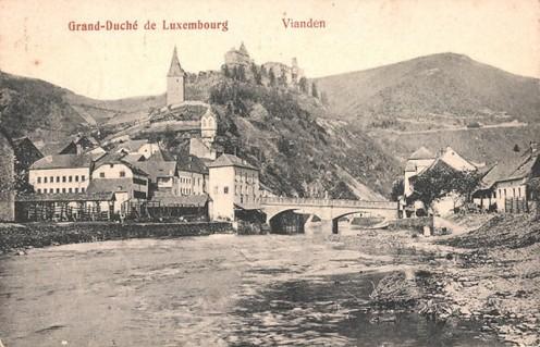 AK-1910_A_800_Vianden-Blick-zum-Schloss