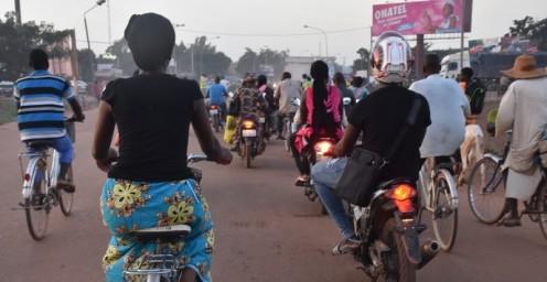 Per Moto um die Barrages_Ouagadougou ⓒ Ekkehart Schmidt
