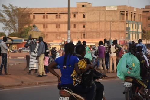 Die Gipsbäckerinnen vom Rondpoint_Ouagadougou © Ekkehart Schmidt