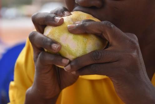 Orangen schänippeln_Bobo Dioulassou © Ekkehart Schmidt