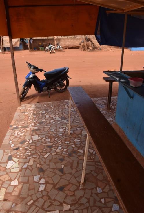 Das Café des Junggesellen_Ouagadougou © Ekkehart Schmidt