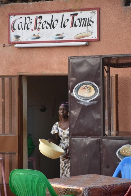 Café Restau Tonus_Bobo Dioulasso © Ekkehart Schmidt