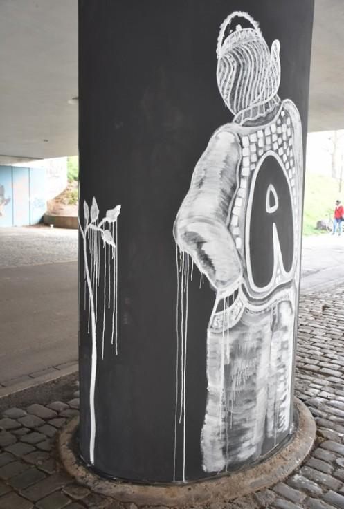 Nackige Säulenheilige © Ekkehart Schmidt