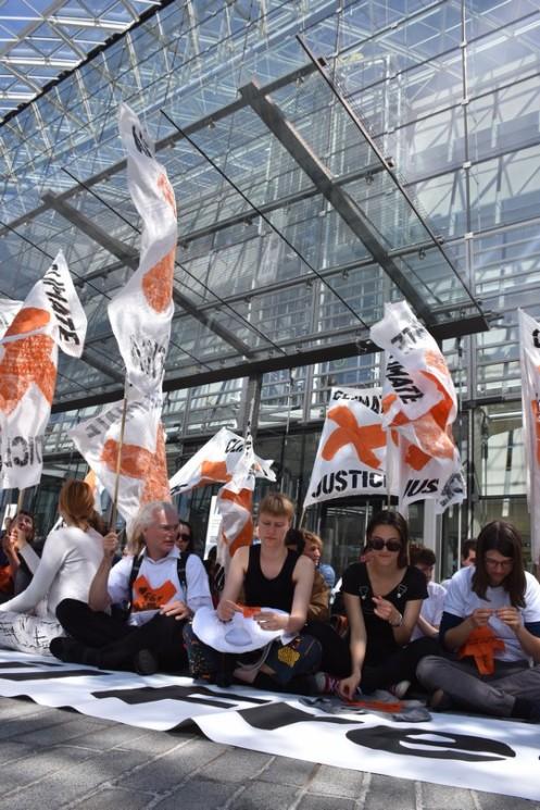 Disrupt Fossil Fuels_EIB Luxemburg © Ekkehart Schmidt